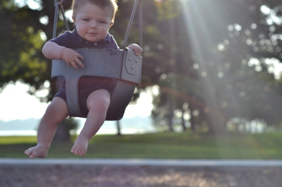 R.Simple Life | Harry on a Swing