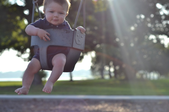 R.Simple Life   Harry on a Swing