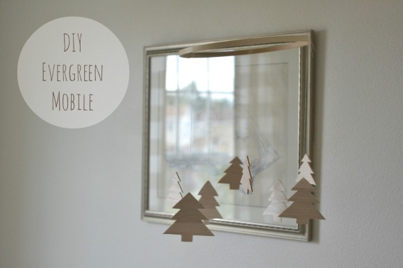 R.Simple Life | DIY Evergreen Mobile